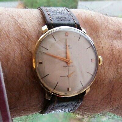 UNO 1950s Gents Wristwatch Serviced And In Good Working Order • 69£