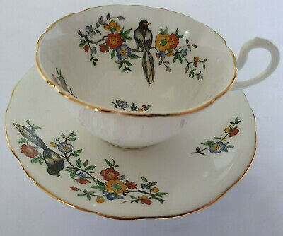 Aynsley Fine Bone China Cup And Two Saucers. Magpie Design. Lovely Condition. • 5£