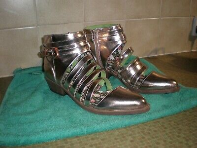 Uk 10  Yru  Xena   Gold  Patent Gladiator Style Shoes   Worn Only Once Great Val • 20£