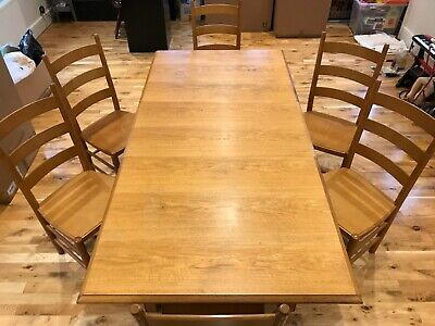 Marks & Spencer Extending Dining/Kitchen Table With 6 Chairs • 70£