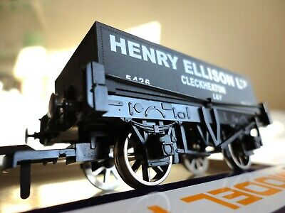Dapol 'Henry Ellison Ltd' Rectangular Tank Wagon. B876. OO Gauge. Mint Condition • 15.99£