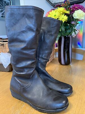Soft Brown Leather Boots Size 6 • 7.75£