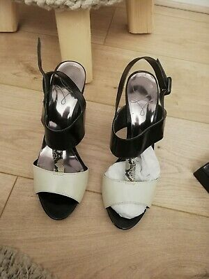 Wallis Cream And Black Shoes Size 7 • 10£