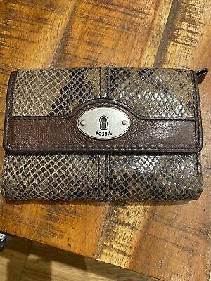 Fossil Brown Pebbled Leather Purse • 15£