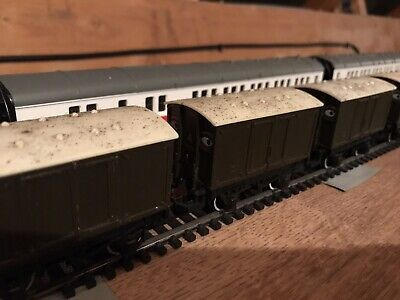 Hornby Thomas And Friends Two Brown Troublesome Trucks Vans With White Roofs • 5£