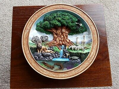 Disney Collectable 3D Wall Plate ' Animal Kingdom ' • 18£