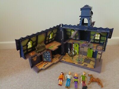 Scooby Doo Mystery Mansion Haunted House With Figures X 5  • 30£