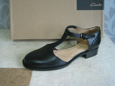 New Clarks Netley Daisy Black Leather School Or Work Shoes Pumps Size 4.5 • 24.99£