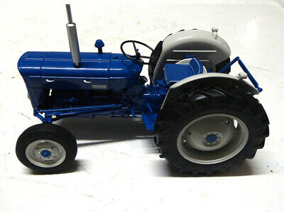 £79 • Buy Model Tractor Fordson Dexta SUPER DEXTA NEW PERFORMANCE 1963 1/16th Scale By UH