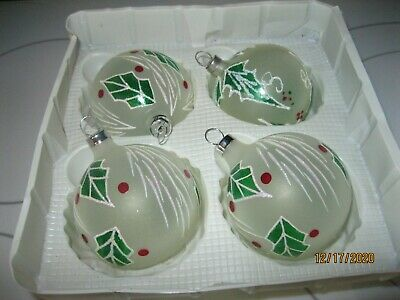 $ CDN12.69 • Buy Vintage Set Of 4 Christmas Glass OrnamentS  FROSTED BALLS 2