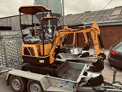 XN08 Mini Digger And Trailer Brand New  • 9,000£