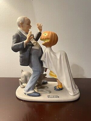 $ CDN191.43 • Buy 8 Of The 12 Norman Rockwell Porcelain Figurines