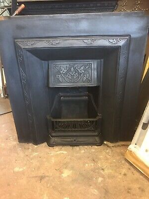 Victorian Style Cast Iron Fireplace • 210£