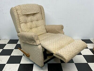 La-z-boy Fabric Upholstered Reclining Armchair Recliner Chair Lazyboy -Delivery • 55£