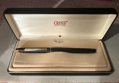 Cross Century Classic Appointments Fountain Pen (Black& Gold) • 35£