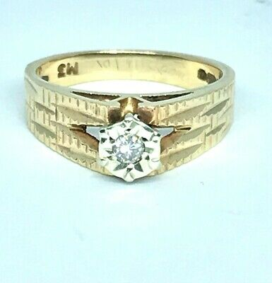 A  Diamond Solitaire Engagement Ring In 9ct Gold -Weight 3.2g Platinum-set Stone • 99.99£