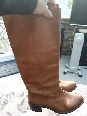 Ladies CLARKS Boots Size 7D Tan Leather Knee High Small Block Heel • 5.70£
