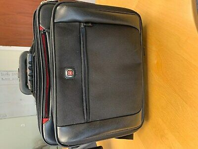 Swiss Gear Bag With Zipped Compartments, Extendable Handle, Wheels, • 18£