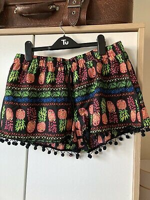 Funky Pineapple Print Shorty Shorts Size 12 • 3£