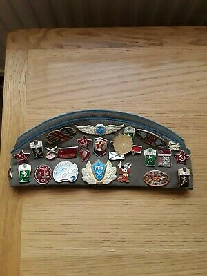 Souvenir Russian Military Hat And Badges • 8£