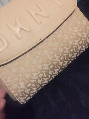 DKNY Bag Creme Colour *NEW* • 15£