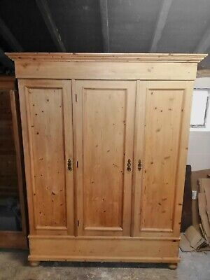 Antique Knock Down Pine Triple Wardrobe Delivery & Assembly Available • 625£