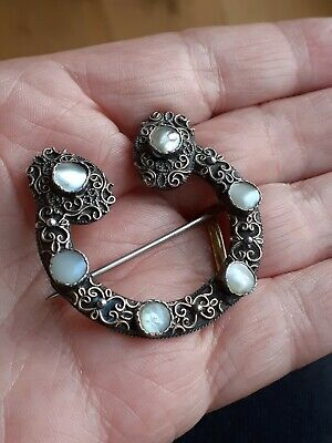 Vintage Brooch Horseshoe Silver ? Gilt Filigree Mother Of Pearl  • 7.99£