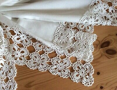 """Antique Hand Worked Tablecloth W/ Deep Crochet Lace Edge 38"""" • 24.95£"""