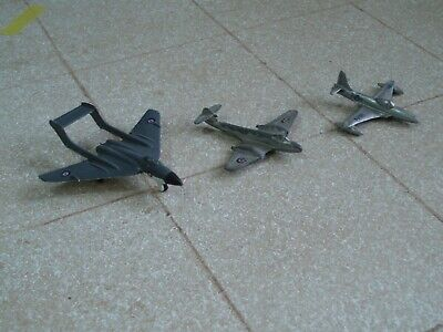 Collection Of 3 Vintage Dinky Die-cast Aircraft (batch 2) • 25£