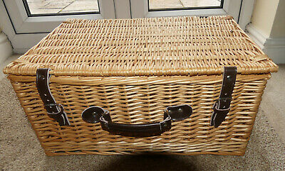 Used Large Wicker Storage Basket With Lid, Leather Handle & Leather Strap  • 11.50£