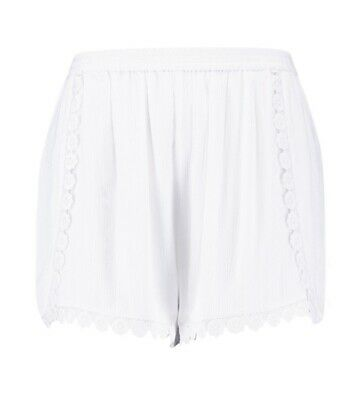 Boohoo Plus Chenille Lace Flower Trim Shorts - Size 24 BNWT WHITE • 2.99£