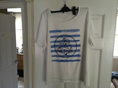 White/blue Anchor T. Shirt Size 22 NEW • 6£