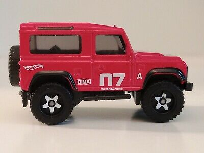 Beautiful Mint Condition Land Rover Defender Diecast Toy Car Collectible. • 0.01£