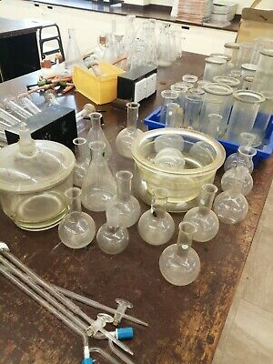 ASSORTED LABORATORY GLASSWARE. Good - Excellent Condition • 30£
