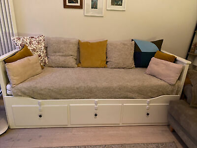 IKEA Hemnes Day Bed 3 Drawers. 2 Malfors Mattresses Included. Great Condition.  • 140£