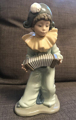 Nao By Lladro 21cm Pierrot Clown Boy Figure With Accordian Squeeze Box  • 5£
