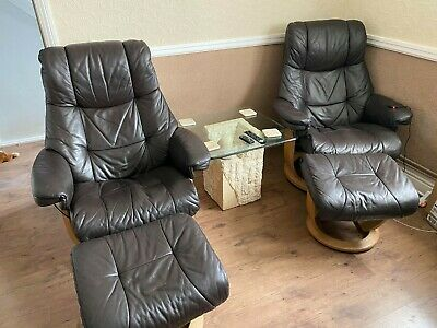 Two La Z Boy Recliner Chairs And Foot Stools • 299.99£