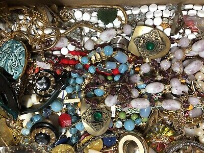 $ CDN75.74 • Buy Vintage Costume Jewelry Lot 4 Lbs Wearable Resale Signed Estate