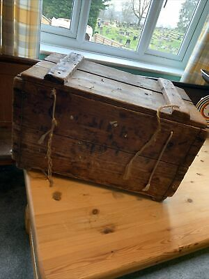 Wooden Box With Hinged Lid • 1£
