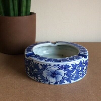 Vintage Hand Painted Blue And White Ceramic Ashtray Floral  • 9£