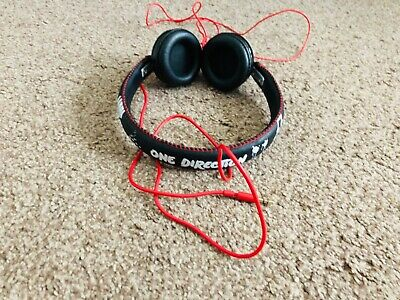 £10 • Buy One Direction I Heart Headphones Black And Red