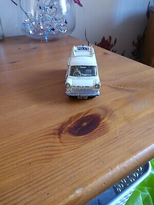 Dinky Ford Transit Van, Accident Unit,police • 12.99£