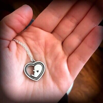 £5.10 • Buy UK Silver Pregnancy Heart Baby In The Womb Necklace