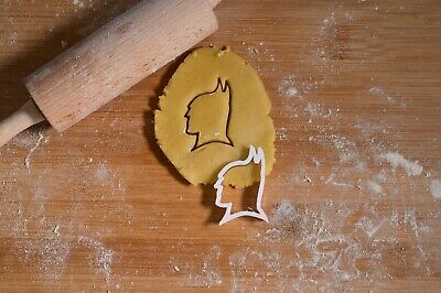 £4 • Buy Batman DC - Cookie Cutter - Biscuit Cutter - 3 Sizes