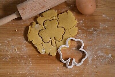 £3 • Buy Shamrock - Cookie Cutter - Biscuit Cutter - 3 Sizes