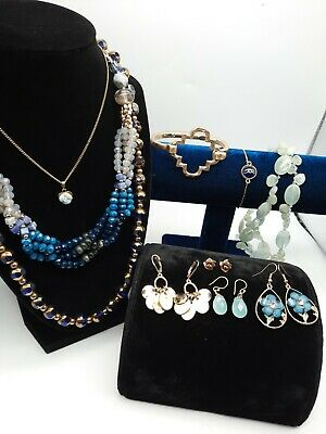 $ CDN23.85 • Buy Vintage To Now Jewelry Lot Estate Necklaces Bracelets And Earrings.