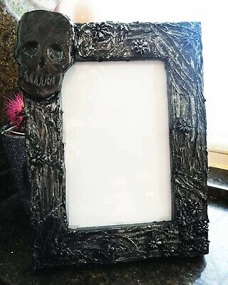 Refurbished Spider Skull Portrait Photo Picture Frame 6x4  Goth Creepy Home Gift • 8.65£