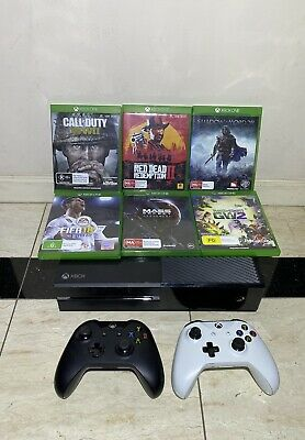 AU249.95 • Buy Xbox One 500GB Console Model 1540 (USED) WITH 2x Wireless Controllers & 6 GAMES.