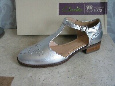 £24.99 • Buy New Clarks Orabella Daisy Silver Leather Shoes Pumps Uk Size 4 & 4.5