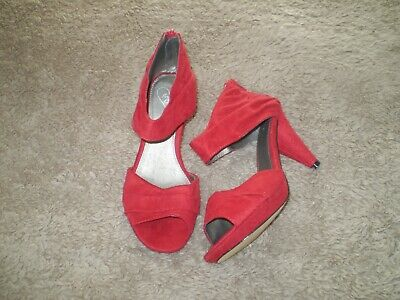 Evans Red Shoes • 10£